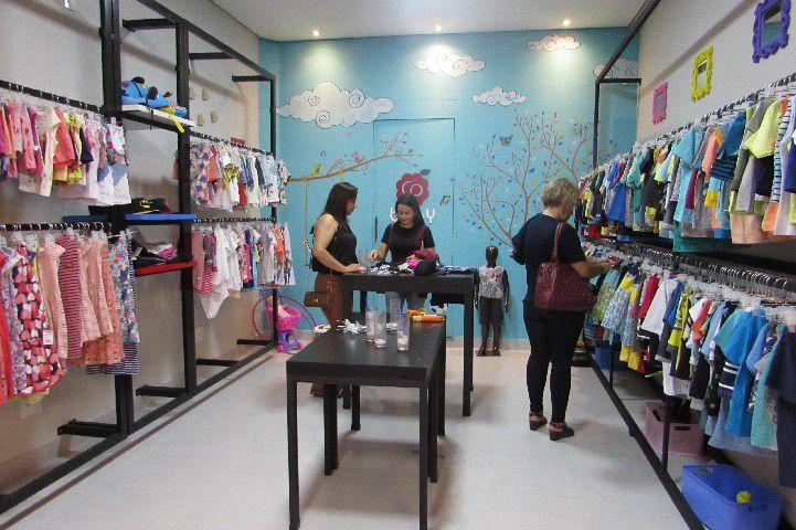 580e3d94af Cor de Pitanga inaugura nova loja em grande estilo - Associação ...